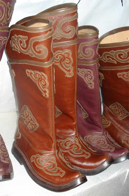 mongolian boots made from leather
