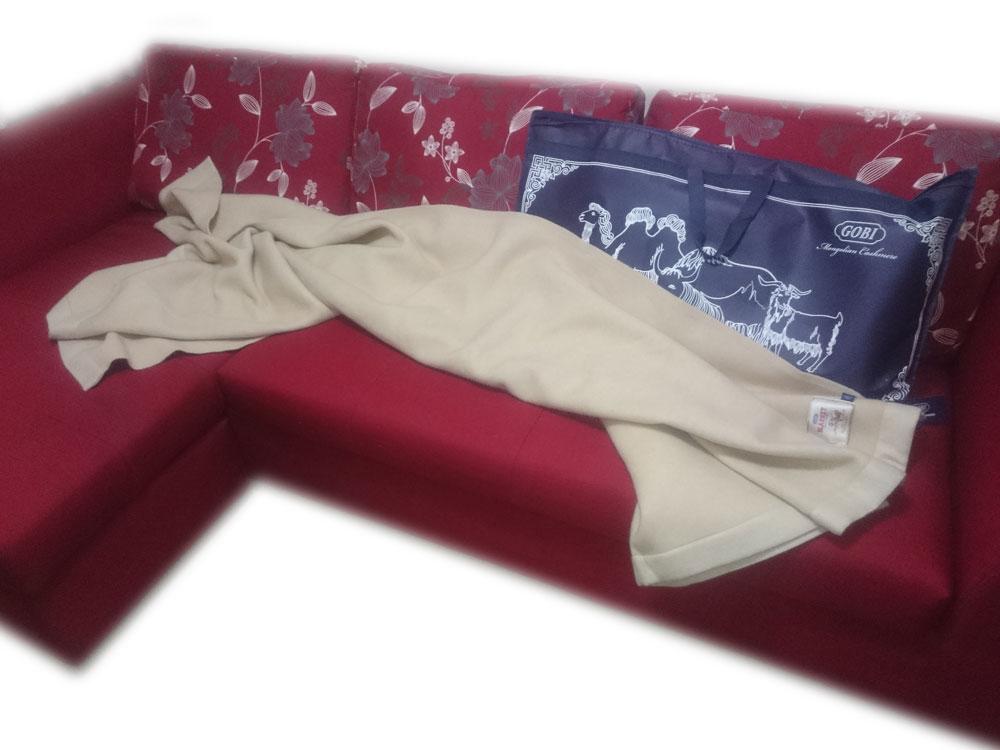 Mongolian cashmere blanket white
