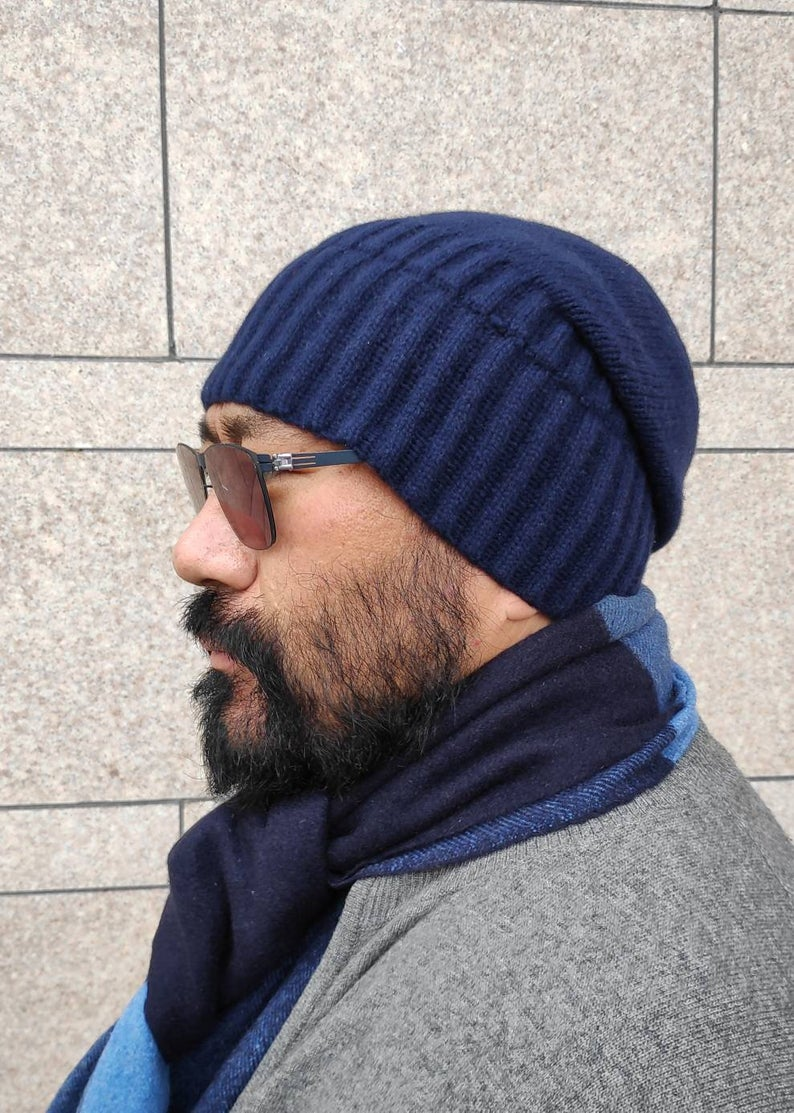 Cashmere beanie, warm, soft, pompom, women & men, blue